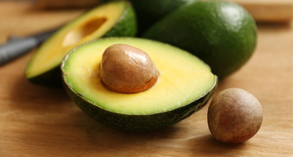 Es saludable para el corazón. La palta contiene ácido oleico, el cual posee propiedades antiinflamatorias y ayuda a incrementar los niveles del colesterol cardioprotector. También interviene en la regulación de los lípidos. (Foto: Shutterstock)