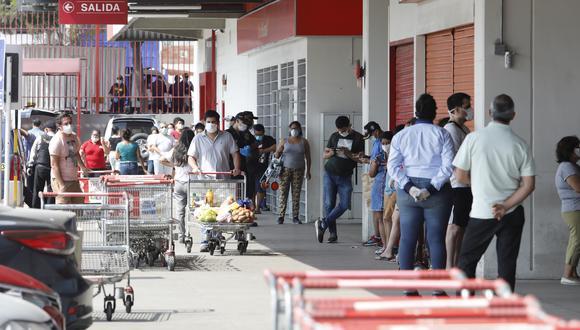 Las municipalidades deberán establecer el aforo máximo de personas en mercados y centros de abasto durante sus horas de funcionamiento. (Foto: GEC)