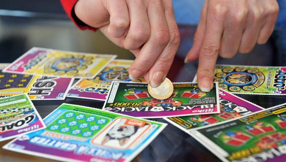 Una mujer de EE.UU. pensó que había ganado mil dólares en la lotería, pero era un millón. (Foto: AFP)