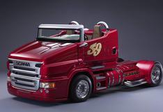 Facebook: Mira cómo acelera este camión descapotable de Scania