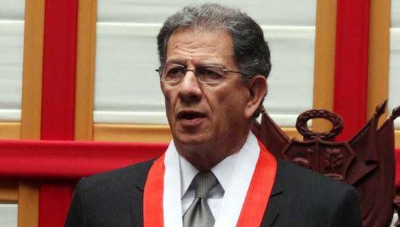 Tribunal Constitucional: Óscar Urviola reelecto como presidente