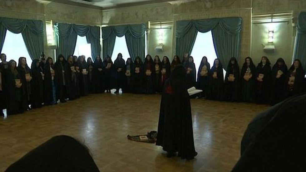 Las brujas se reunieron para mostrar su apoyo a Putin. (Foto: Reuters)