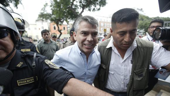 """""""Me llama la atención que eso ocurra cuando falta pocos días para que se decidan las reglas electorales y comience la campaña electoral"""", afirmó Julio Guzmán a El Comercio."""