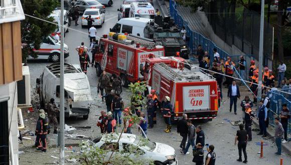 Ataque contra comisaría deja al menos 10 heridos en Estambul