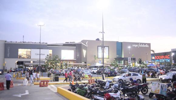 La presidenta ejecutiva del Seguro Social indicó que también se utilizaría las sedes de los Juegos Panamericanos Lima 2019 para inmunizar a los ciudadanos. (Foto: El Comercio)