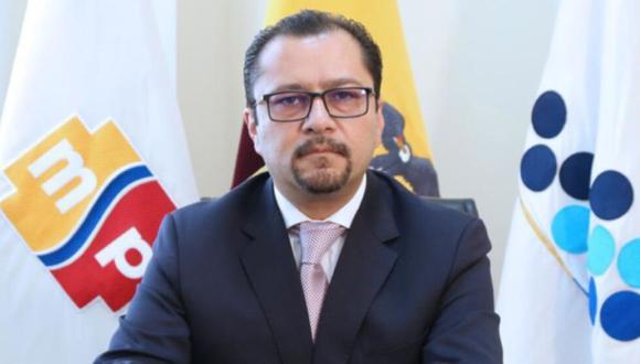 Nacido en la ciudad de Riobamba, provincia de Chimborazo, y de 45 años, Mauro Antonio Falconí obtuvo su titulación con honores en la Universidad Central del Ecuador (UCE), y realizó un posgrado en medicina de Emergencias y Desastres en el mismo centro académico. (Foto: Twitter-@tctelevision).