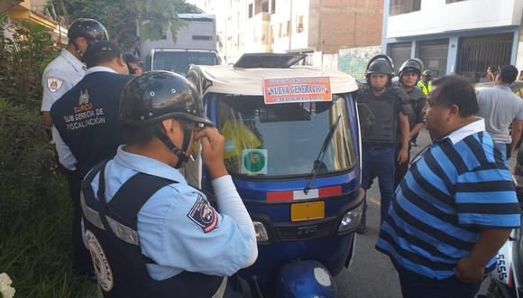 El servicio de mototaxi se ha vuelto un problema en Surco que ha motivado varios enfrentamientos con los fiscalizadores del distrito. (Foto: Difusión)