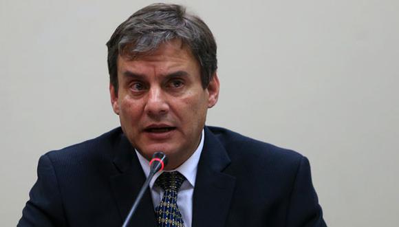Ministro Figallo en contra de regular el rol de Nadine Heredia