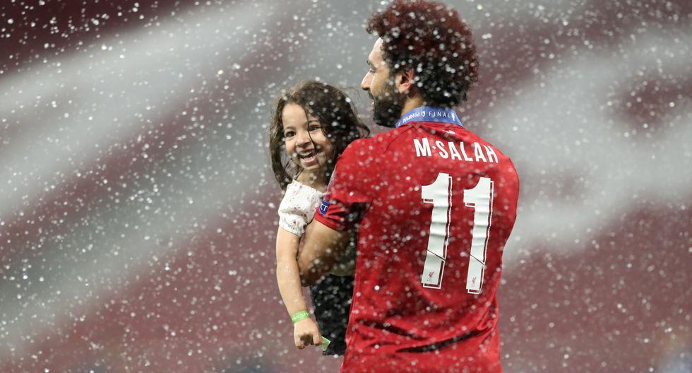 Salah con su pequeña hija en las celebraciones de la Champions League. (Foto: Reuters)