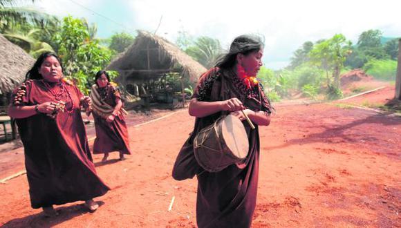 Más de 4.000 comunidades indígenas y campesinas esperan título