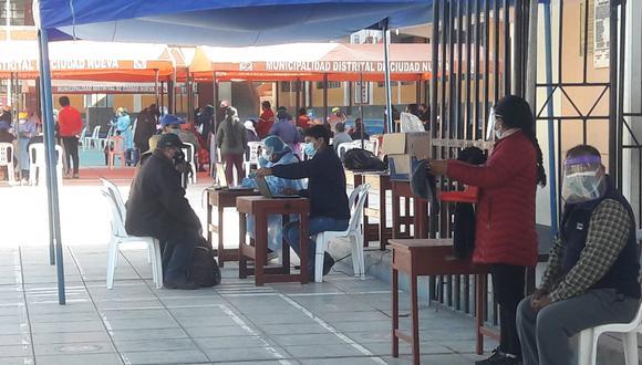 Actualmente, en la región Tacna se vacuna a las personas mayores de 50 años y rezagados mayores de 60 años. (Foto: GEC)