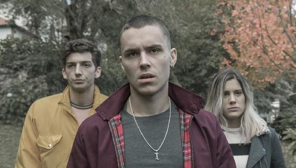 """Roi, Iago y Nerea, estudiantes del instituto Novariz en """"El desorden que dejas"""" (Foto: Netflix)"""