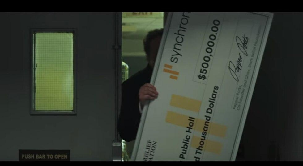 ¿Por qué el cheque está firmado porPepper Potts? (Foto: YouTube)