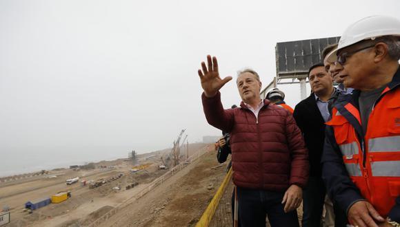 El alcalde metropolitano, Jorge Muñoz Wells, entregó esta mañana 1,8 kilómetros de vías en el tramo Costa Verde-Av. Escardó-Jr. Virú, en San Miguel (Foto: Carlos Tamashiro).