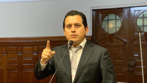 Proyecto impulsado por José Luna busca modificar el reglamento del Congreso para que los legisladores con sentencia firme por delitos de corrupción no puedan ser reemplazados por sus accesitarios. (Foto: GEC)