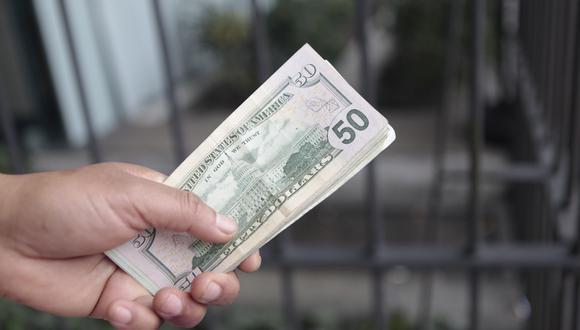 En el mercado paralelo el dólar se cotiza a S/3,515. (Foto: GEC)