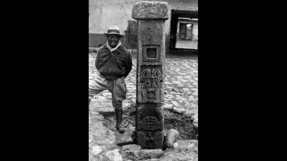 Julio C. Tello en una expedición. Julio C. Tello fundó el Museo Nacional de Arqueología y Antropología, donde fue enterrado a su muerte, en 1947.