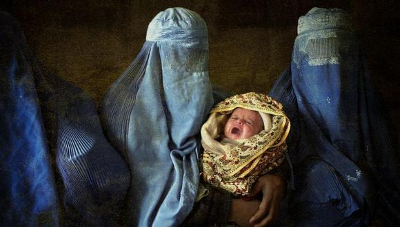Las mujeres embarazadas, las madres primerizas y los recién nacidos son los más afectados por el empeoramiento de la crisis sanitaria en Afganistán con el establecimiento del gobierno talibán.