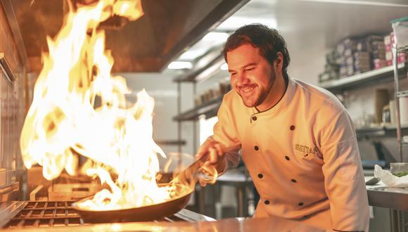 Santiago Santolalla, chef peruano y creador de las cartas de Zen Food. (Foto: Adrian Prada)
