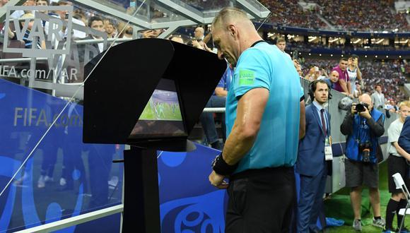 En los últimos días se ha cuestionado el uso de esta herramienta en el fútbol profesional y aquí te contamos todo lo que debes saber sobre ella. (Foto: FIFA)