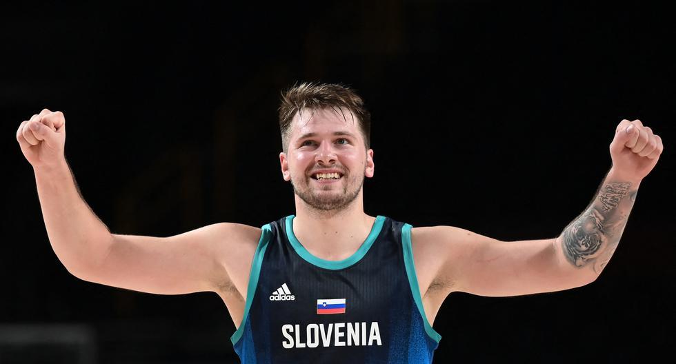 El esloveno Luka Doncic reacciona durante el partido de baloncesto masculino de la ronda preliminar del grupo C entre Argentina y Eslovenia de los Juegos Olímpicos de Tokio 2020 en el Saitama Super Arena en Saitama el 26 de julio de 2021. (Photo by Aris MESSINIS / AFP)