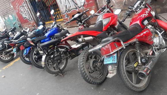 La Policía recuperó 39 motos robadas que eran alquiladas a delincuentes que asaltaban bajo la modalidad del 'raqueteo'   Foto: PNP