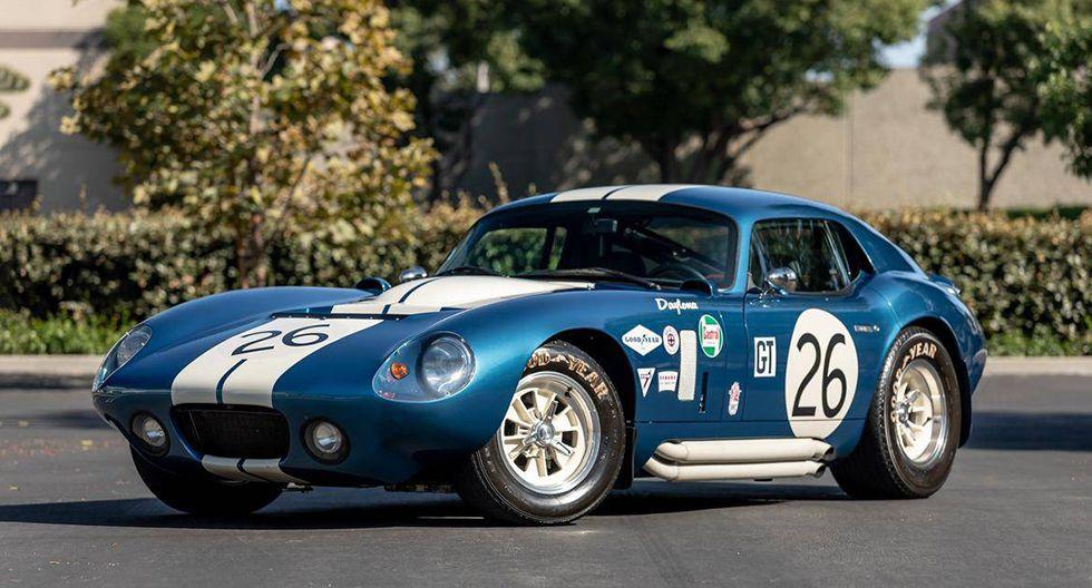 7. Shelby Daytona Cobra Coupe (1965). El primer auto americano en ganar el Campeonato Internacional de Fabricantes Gran Turismo. En el 2009 fue vendido por US$ 7 millones 238 mil.