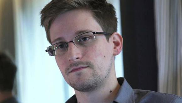 """""""New York Times"""" y """"The Guardian"""" piden clemencia para Edward Snowden"""
