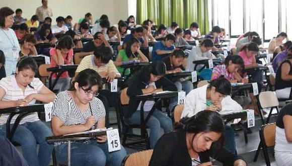 Postulantes exigen devolución del examen de admisión virtual y que se realice otro de forma presencial.