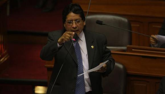 Vocero nacionalista, Rubén Coa, exige que Jorge Del Castillo muestre pruebas contra este gobierno. (Foto: Dante Piaggio / Archivo El Comercio).
