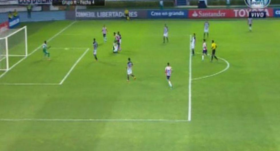 Luis Carlos Ruíz anotó el primer gol de Junior de Barranquilla ante Alianza Lima por Copa Libertadores y complica las chances blanquiazules. (Foto: captura)