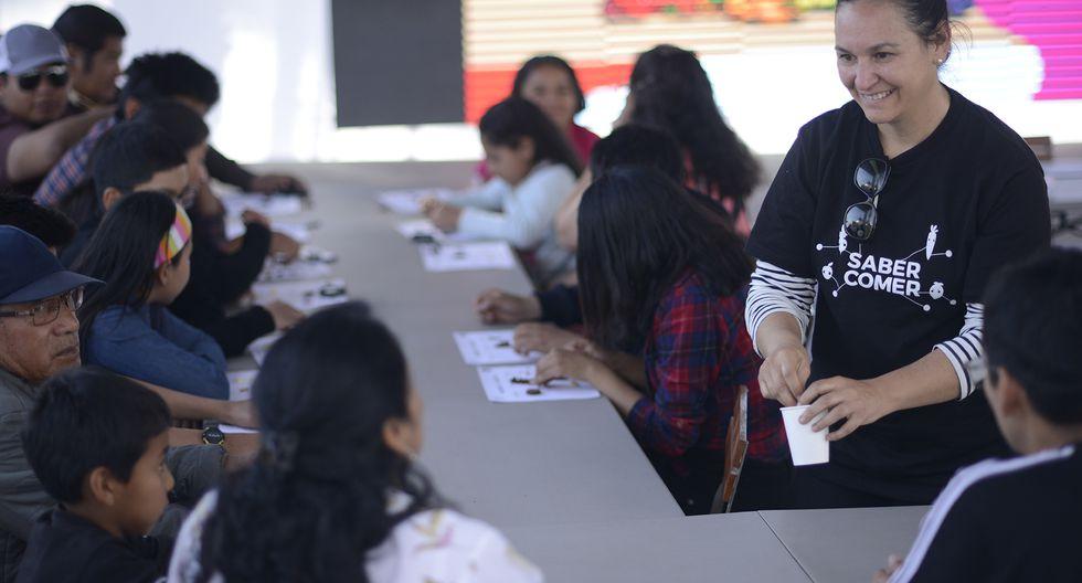 Karissa Becerra dictando un taller sobre educación alimentaria en Arequipa. (Foto: Bicentenario Perú 2021)