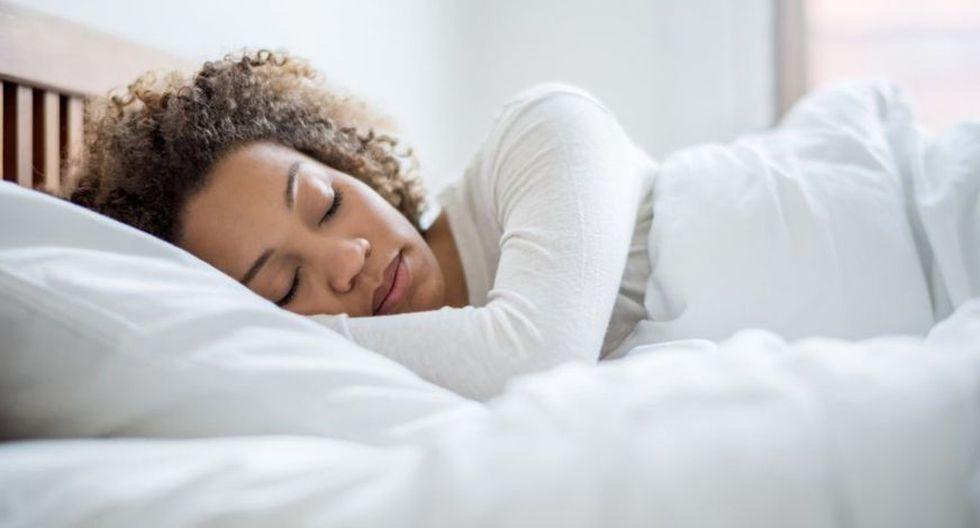¿Te cuesta despertarte temprano? Los científicos tienen algunos consejos... (Foto: Getty)