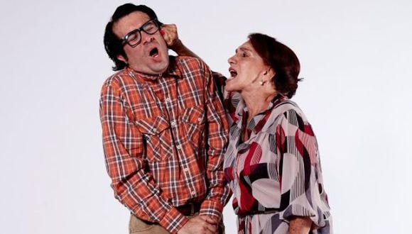 """Claudia Dammert: """"La maternidad puede ser enfermiza"""""""
