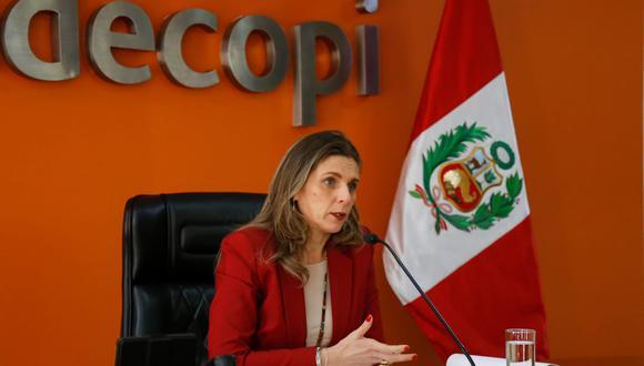 """""""Seguiremos fiscalizando y sancionado a aquellas empresas que no cumplan con brindar información transparente"""", dijo Pérez de Cuéllar. (Foto: Difusión)"""