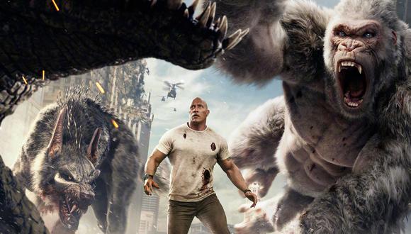 """En """"Rampage"""", Dwayne Johnson debe salvar a una ciudad, así como a su mejor amigo, un gorila albino gigante. (Foto: Difusión)"""