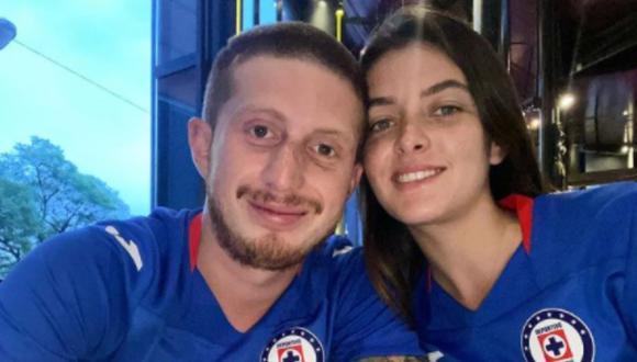 La pareja anunció su compromiso a través de las redes sociales (Foto: Nerea Godínez / Instagram)