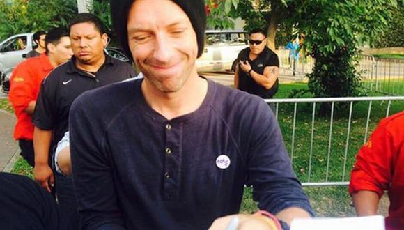 Coldplay en Lima: integrantes firmaron autógrafos a sus fans