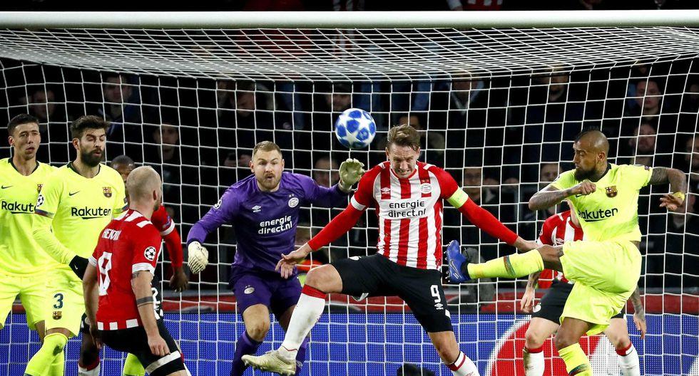 Barcelona vs. PSV: Arturo Vidal casi regala este golazo en la Champions League. (Foto: EFE)