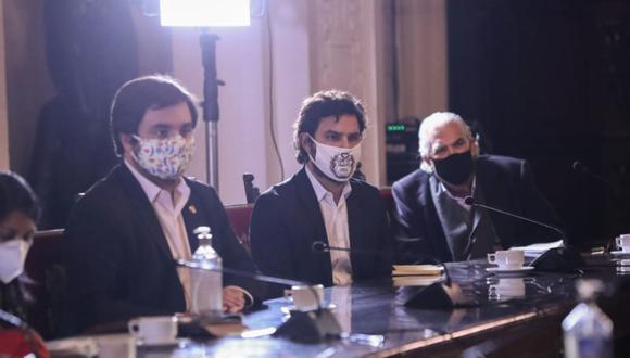 Alberto de Belaunde y Daniel Olivares solicitaron respuestas del ministro del Interior, José Elice | Foto: Andina