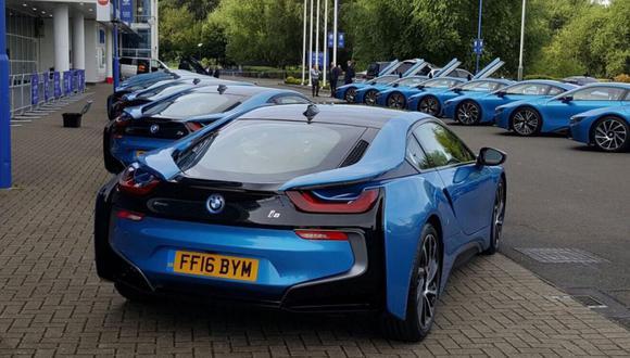 Presidente del Leicester City regaló 19 BMW i8 a sus jugadores