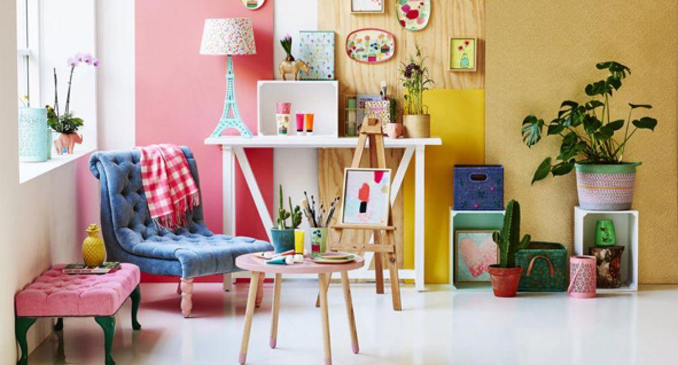 En un rincón de la sala de 2 m x 2 m, diseña un espacio para pintar. Coloca una mesa circular de 1 m de diámetro y un caballete de madera de 1,20 m de alto. (Foto: Taka Tomo)