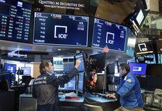 Wall Street cierra en alza tras repunte del petróleo pese a dato desalentador de empleo en EE.UU.