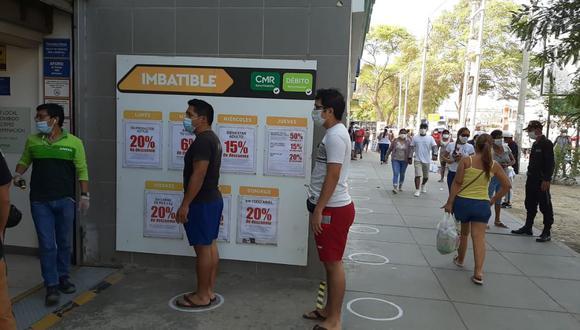 El local de Tottus ubicado en la avenida La Marina fue cerrado de manera temporal. (Foto: Difusión)