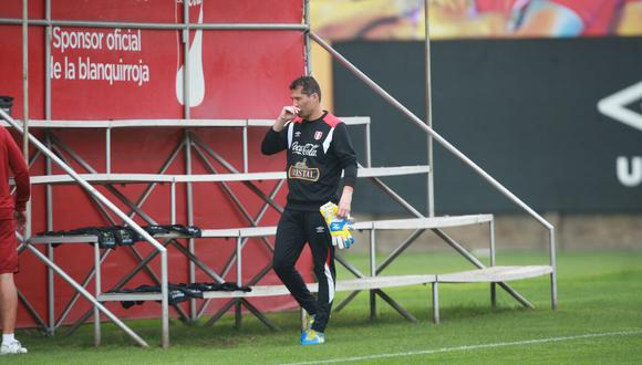 Leao Butrón alternó en el equipo B que puso Gareca en el partido de práctica. (Foto: Rolly Reyna / El Comercio)