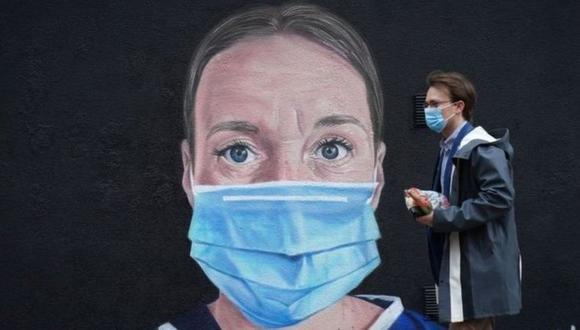 La OMS viene dando consejos y actualizaciones sobre el uso de las mascarillas. (GETTY IMAGES)