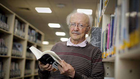 A los 87 años, habiendo dedicado más de seis décadas al periodismo y con casi una treintena de libros publicados, falleció el colombiano Javier Darío Restrepo. (Hugo Pérez / El Comercio)