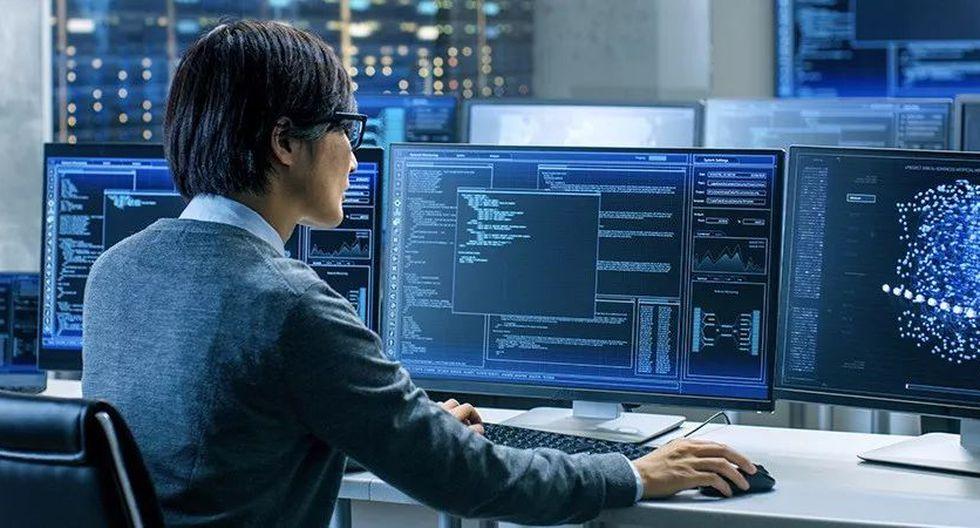 """Según el informe, el gobierno de EE.UU. debe hacer una transición de la IA de """"una novedad tecnológica prometedora a una tecnología madura integrada en las misiones centrales de seguridad nacional"""". (Foto referencial: Shutterstock)"""
