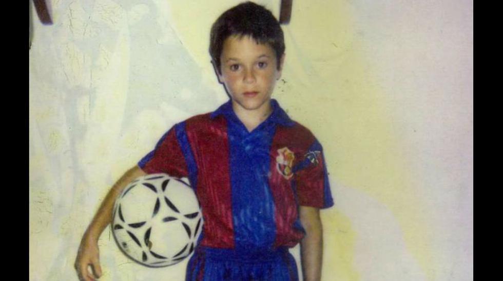 De niño con la camiseta del Barcelona. Llegó a La Masía a los 12 años. (Foto: AFP)