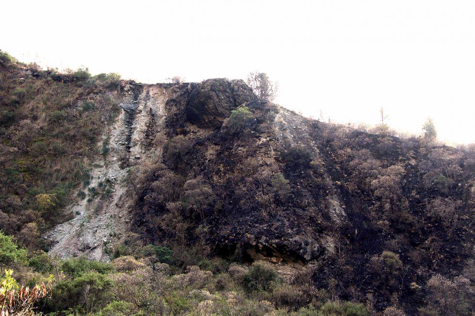 Petroglifos destruidos por incendios en Cusco